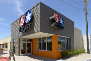 5 star burgers building - commercial landscaping